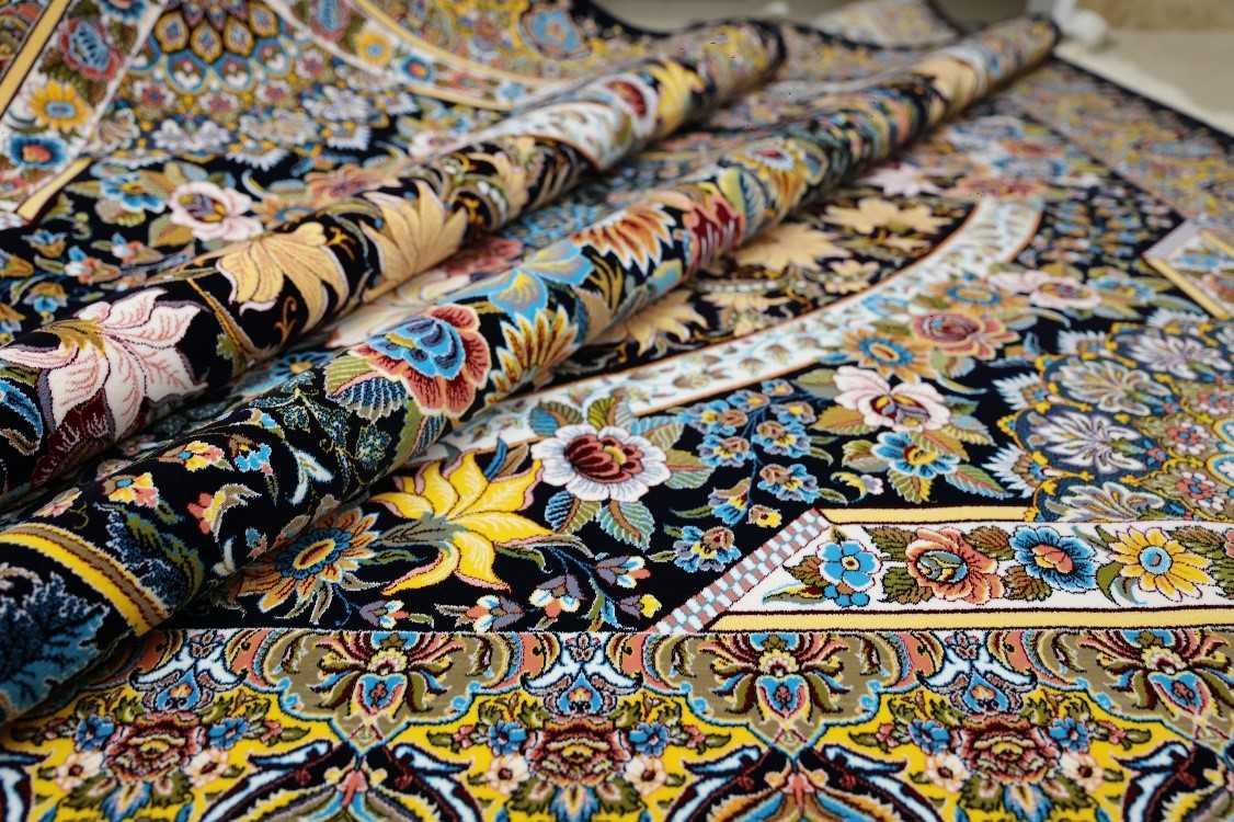 خدمات خاک گیری فرش در قالیشویی مشهد